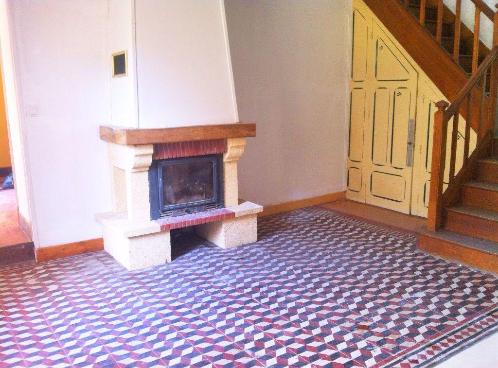 Maison à vendre 5 127m2 à Ainay-le-Vieil vignette-1