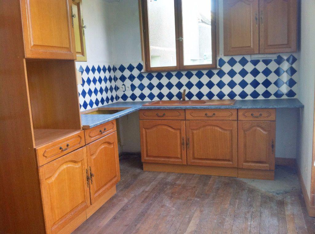 Maison à vendre 5 127m2 à Ainay-le-Vieil vignette-3