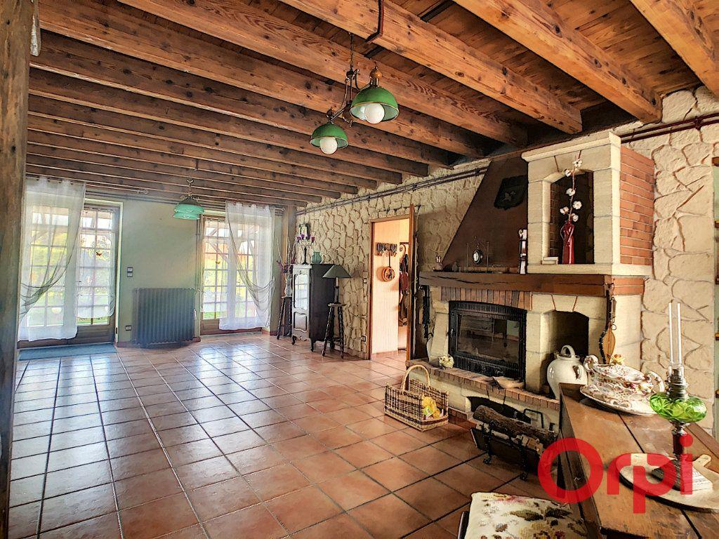 Maison à vendre 4 110.63m2 à Saint-Angel vignette-3