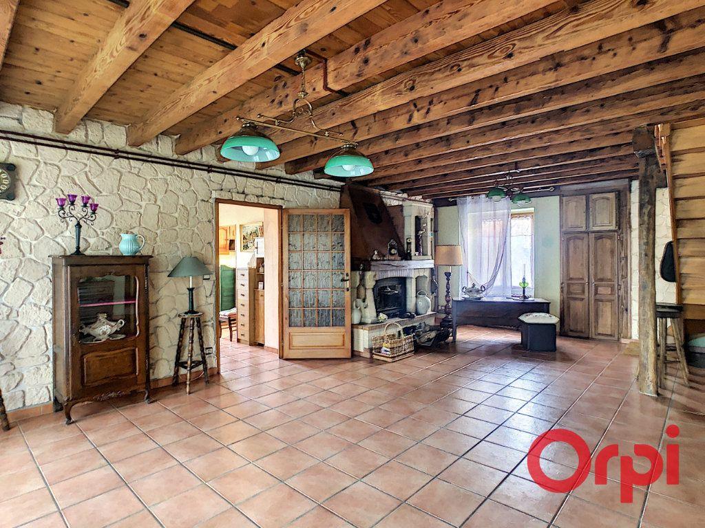 Maison à vendre 4 110.63m2 à Saint-Angel vignette-4