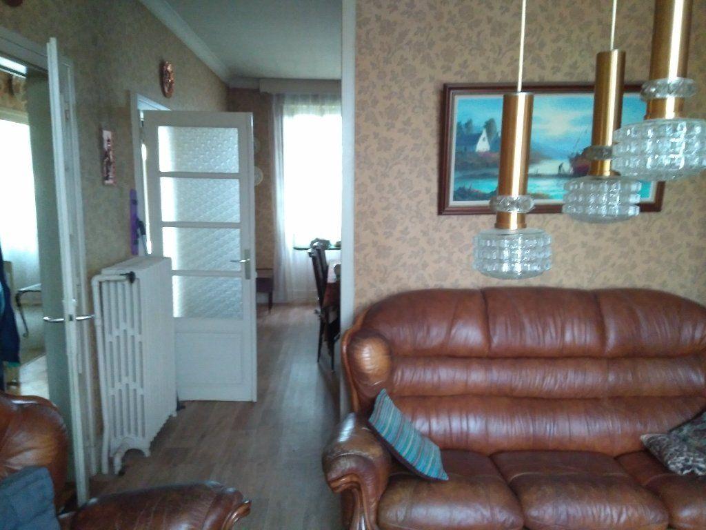 Maison à vendre 5 104m2 à Montluçon vignette-4