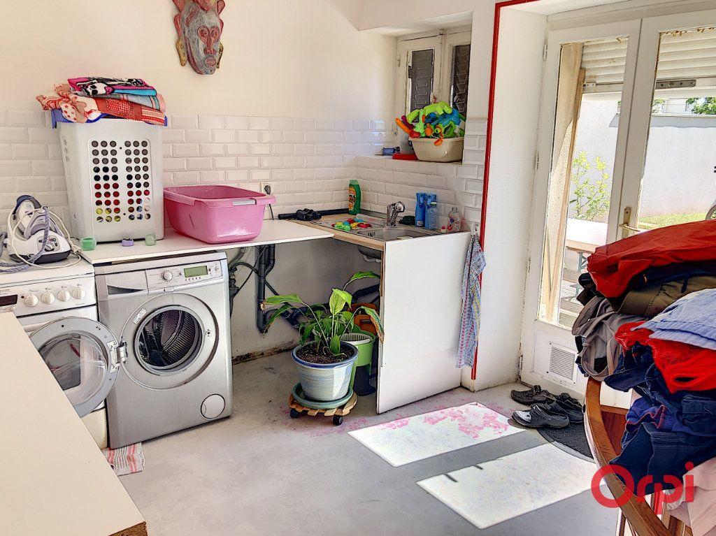 Maison à vendre 5 139m2 à Montluçon vignette-9