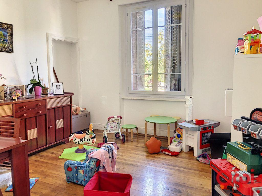 Maison à vendre 5 139m2 à Montluçon vignette-12