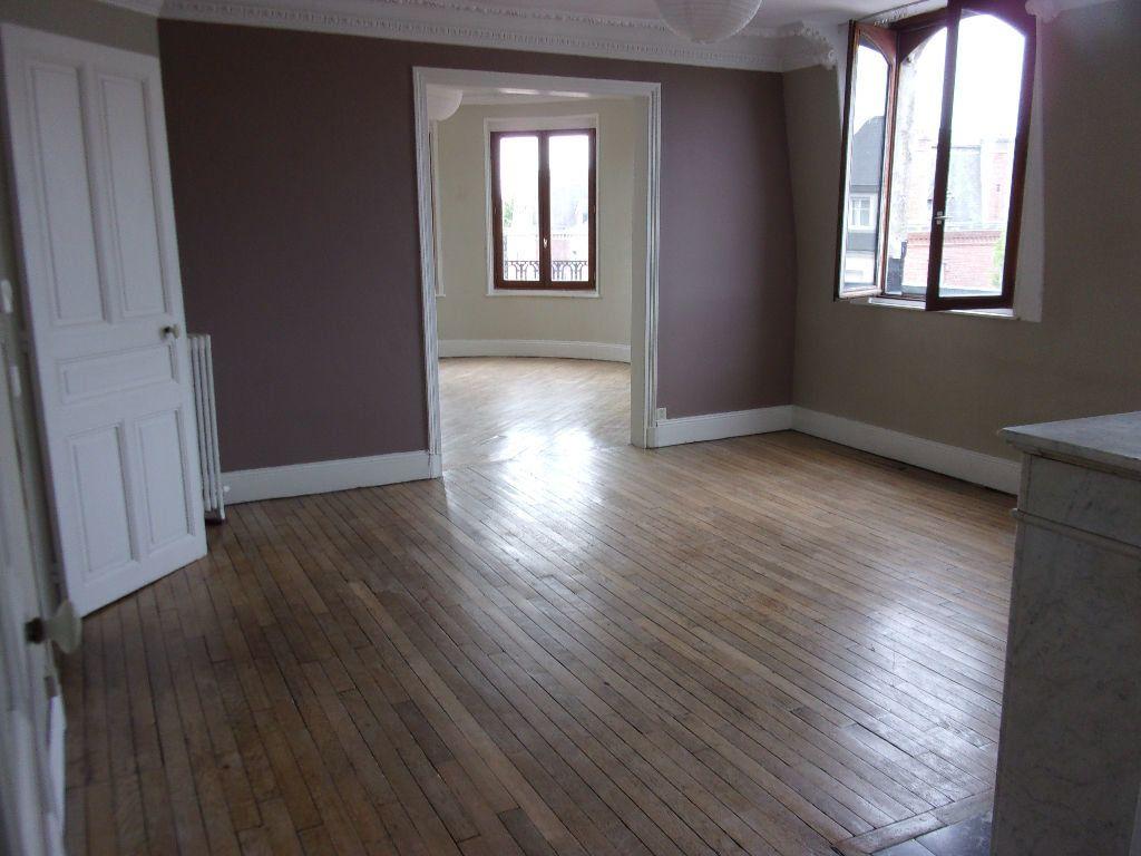 Appartement à louer 3 87.85m2 à Saint-Quentin vignette-2