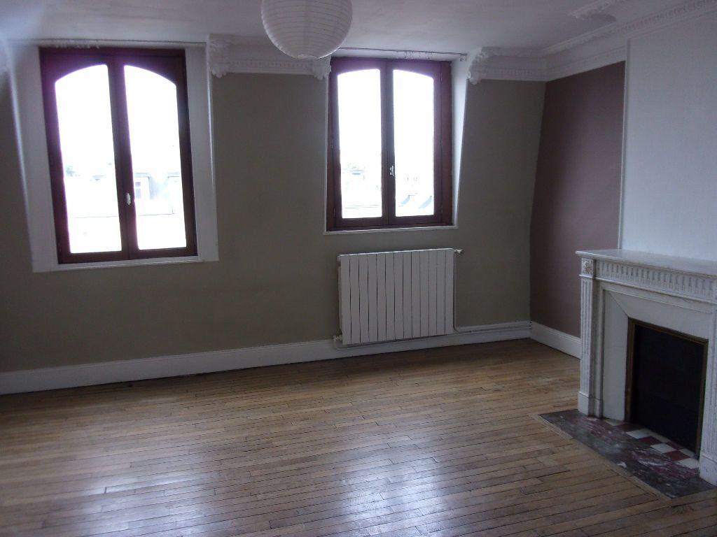 Appartement à louer 3 87.85m2 à Saint-Quentin vignette-5