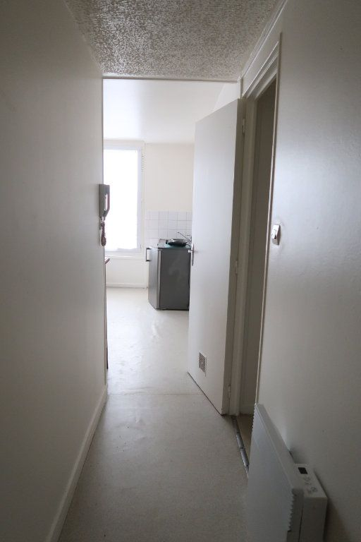 Appartement à louer 1 20.6m2 à Saint-Quentin vignette-4