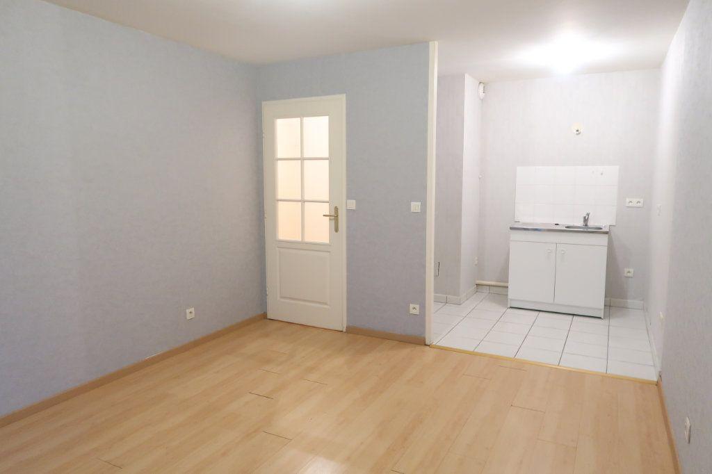 Appartement à louer 2 37.83m2 à Saint-Quentin vignette-2