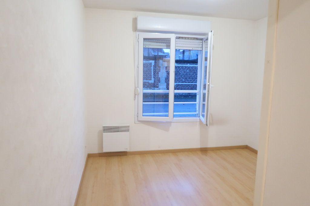 Appartement à louer 2 37.83m2 à Saint-Quentin vignette-3