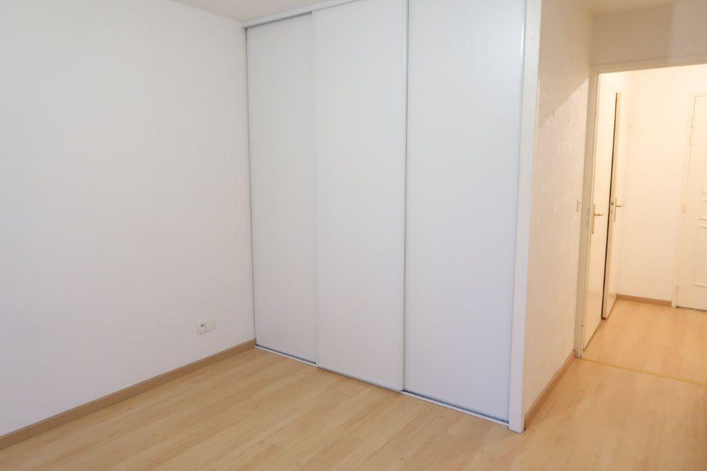 Appartement à louer 2 37.83m2 à Saint-Quentin vignette-4