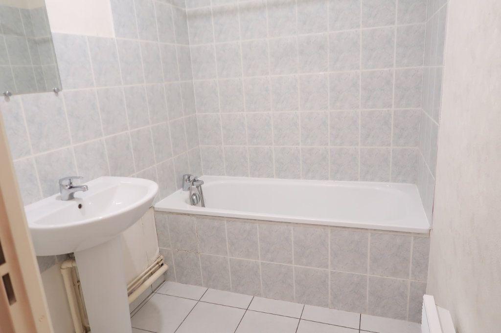 Appartement à louer 2 37.83m2 à Saint-Quentin vignette-5