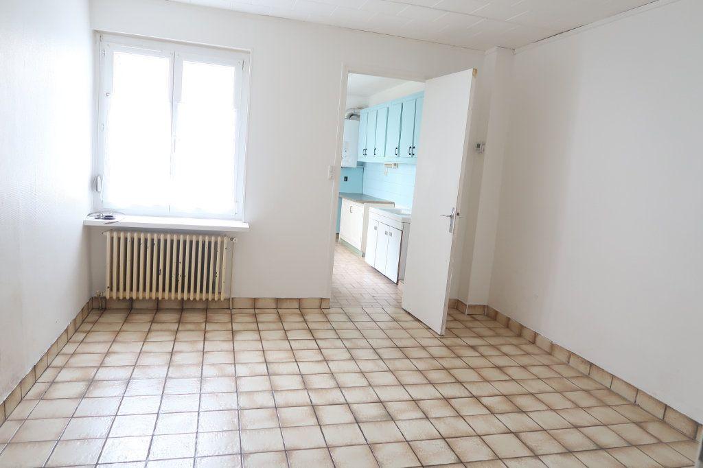 Appartement à louer 1 28.1m2 à Saint-Quentin vignette-1