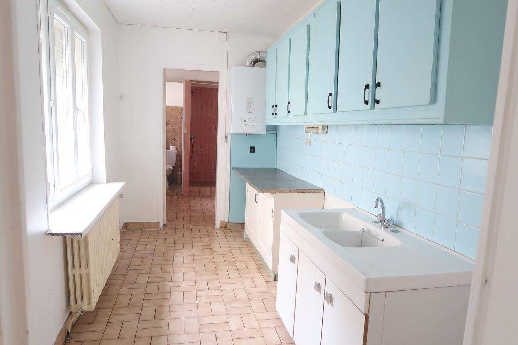 Appartement à louer 1 28.1m2 à Saint-Quentin vignette-2
