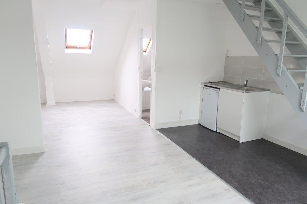 Appartement à louer 1 35m2 à Saint-Quentin vignette-1