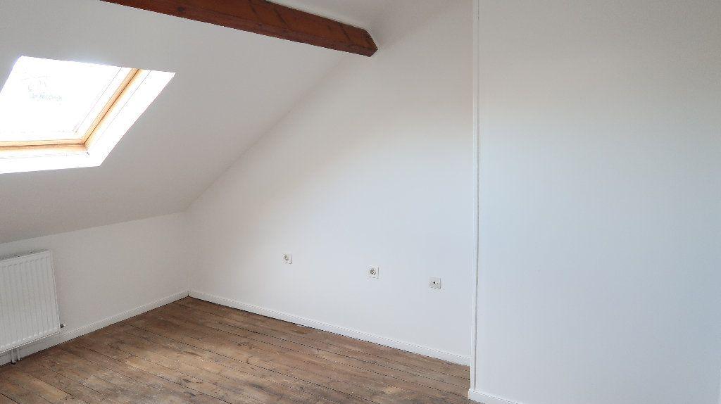 Maison à louer 6 105m2 à Saint-Quentin vignette-10