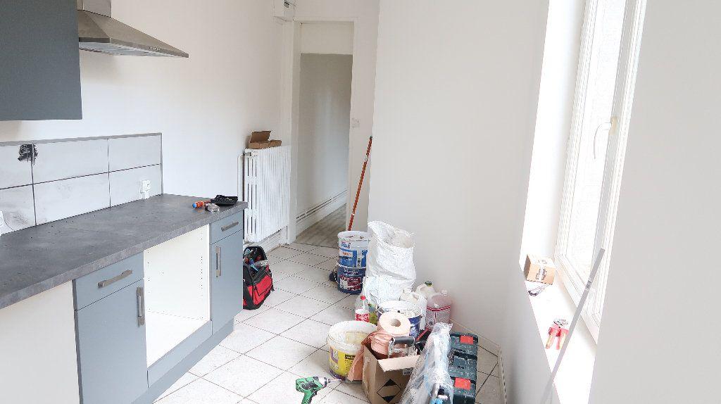 Maison à louer 6 105m2 à Saint-Quentin vignette-13