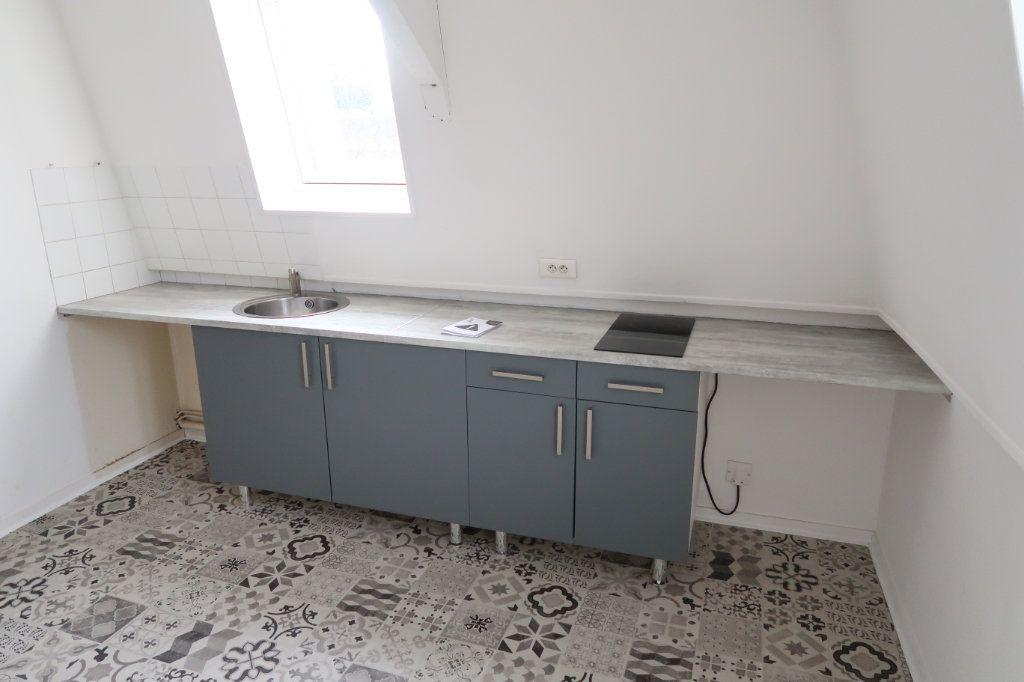 Appartement à louer 2 29m2 à Saint-Quentin vignette-2