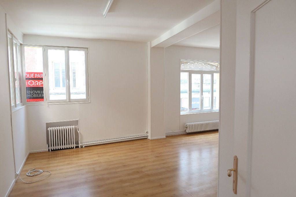 Appartement à louer 4 119.2m2 à Saint-Quentin vignette-4
