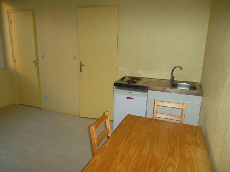 Appartement à louer 1 17.5m2 à Saint-Quentin vignette-2