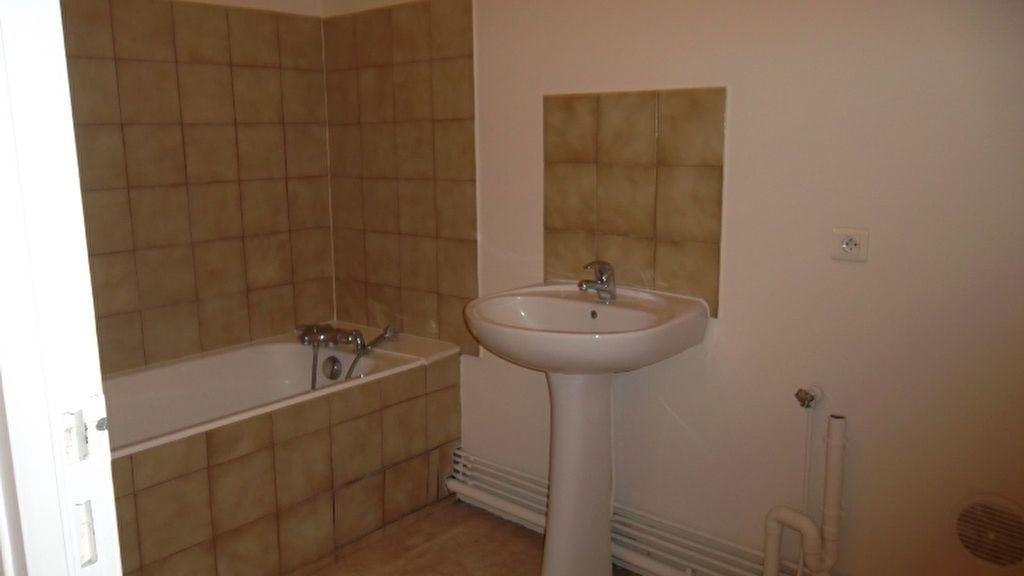 Appartement à louer 2 57.2m2 à Origny-Sainte-Benoite vignette-3
