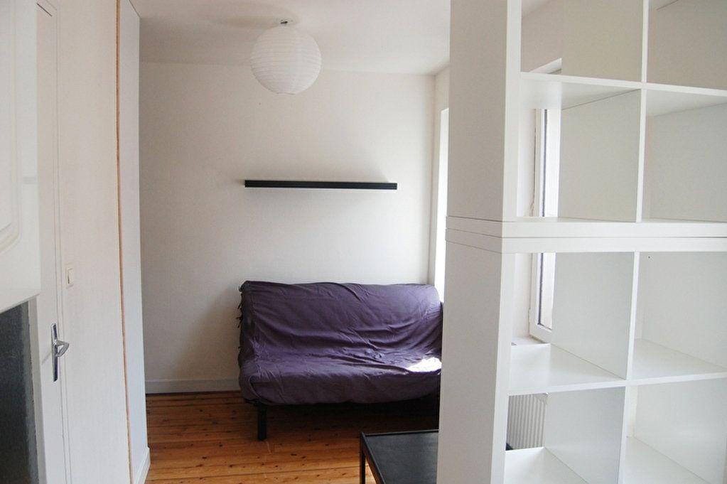 Appartement à louer 1 14m2 à Saint-Quentin vignette-2