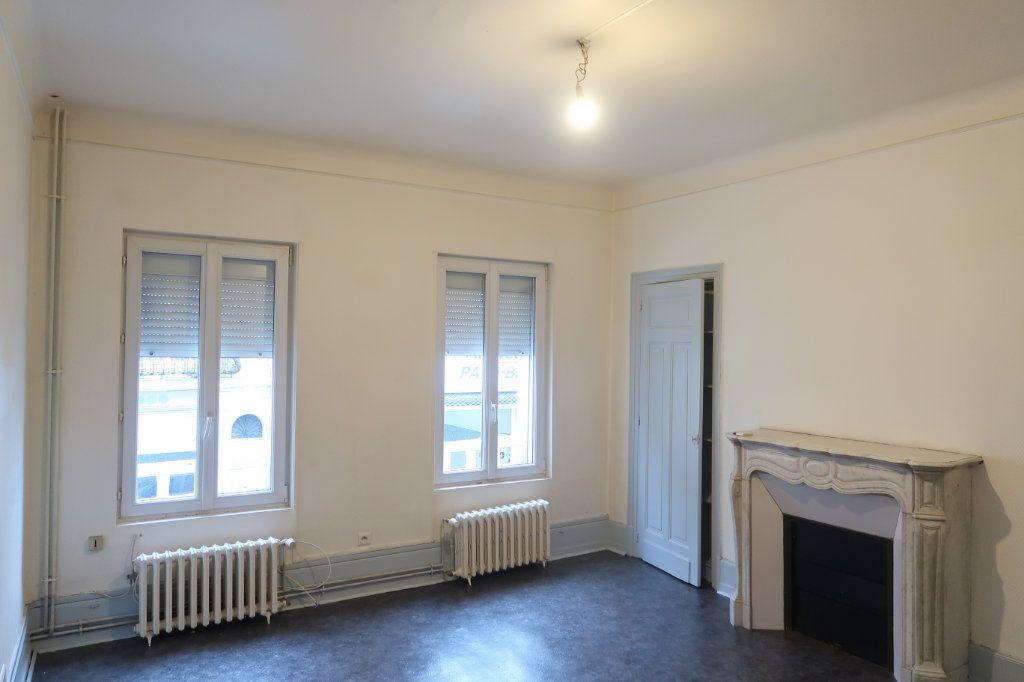 Appartement à louer 4 120.82m2 à Saint-Quentin vignette-2
