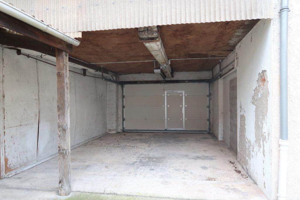 Appartement à louer 4 120.82m2 à Saint-Quentin vignette-6