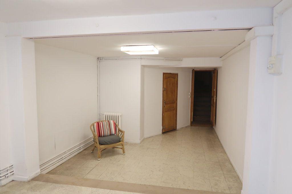 Appartement à louer 4 120.82m2 à Saint-Quentin vignette-10