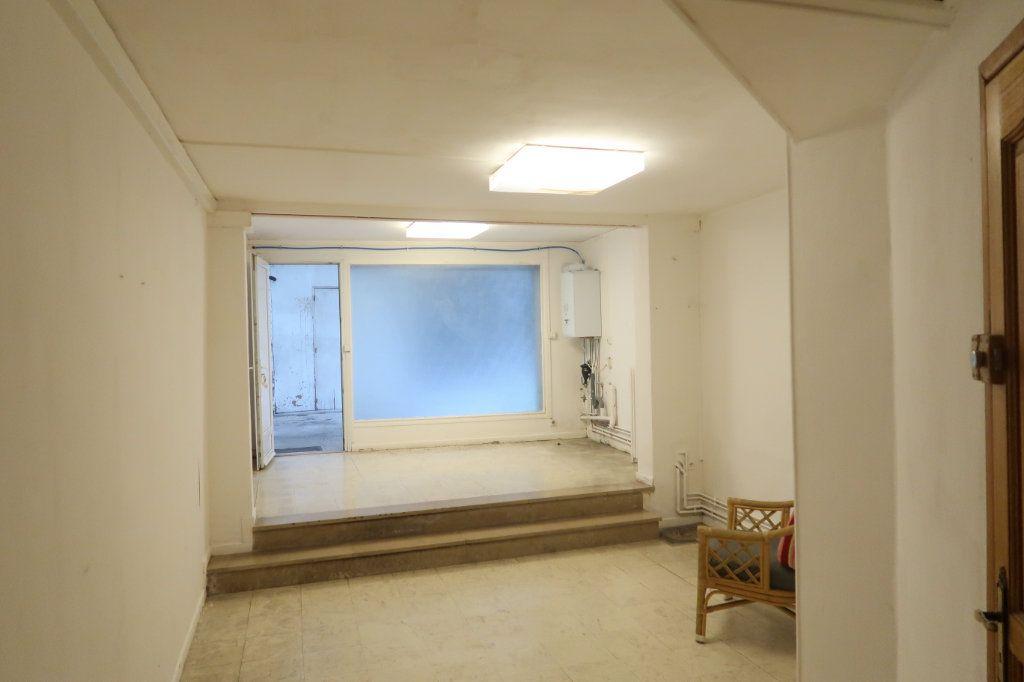 Appartement à louer 4 120.82m2 à Saint-Quentin vignette-11