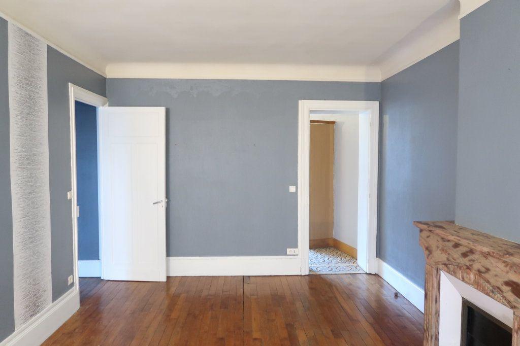 Appartement à louer 4 120.82m2 à Saint-Quentin vignette-12