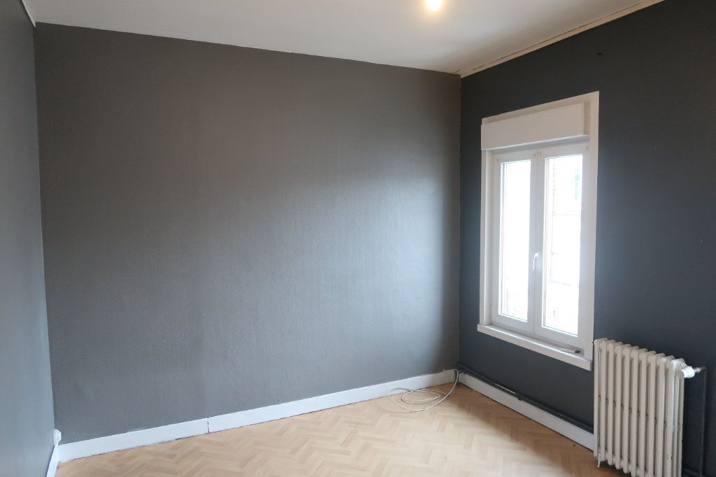 Appartement à louer 4 120.82m2 à Saint-Quentin vignette-13