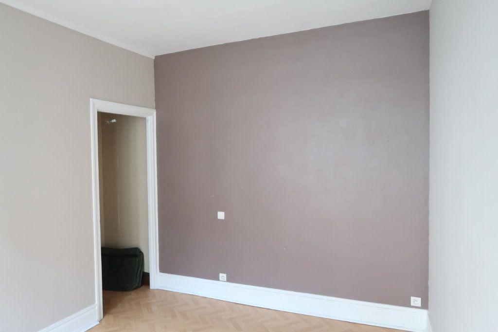 Appartement à louer 4 120.82m2 à Saint-Quentin vignette-15