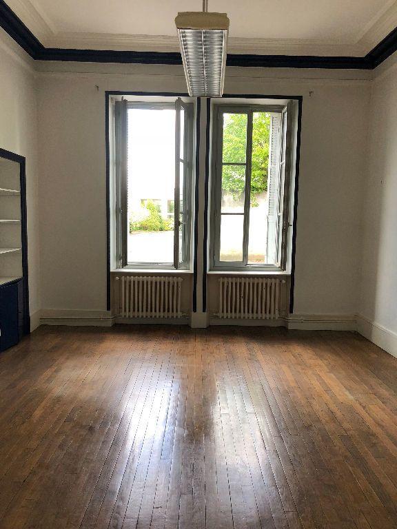 Appartement à louer 4 125m2 à Laon vignette-3