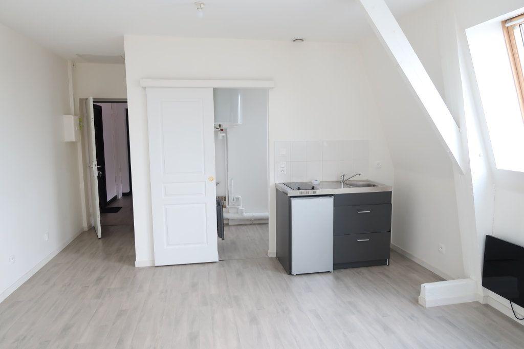 Appartement à louer 1 33.94m2 à Saint-Quentin vignette-1