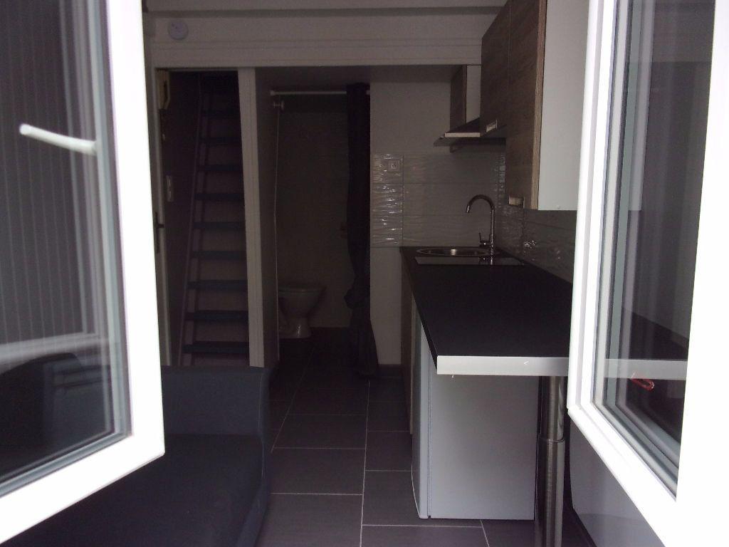 Appartement à louer 1 9.5m2 à Saint-Quentin vignette-1