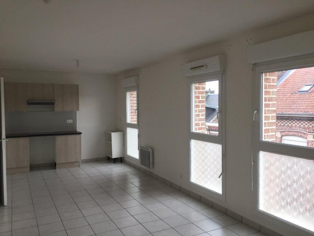 Appartement à louer 2 47m2 à Amiens vignette-1