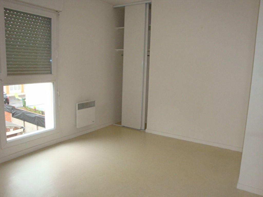 Appartement à louer 2 47m2 à Amiens vignette-3