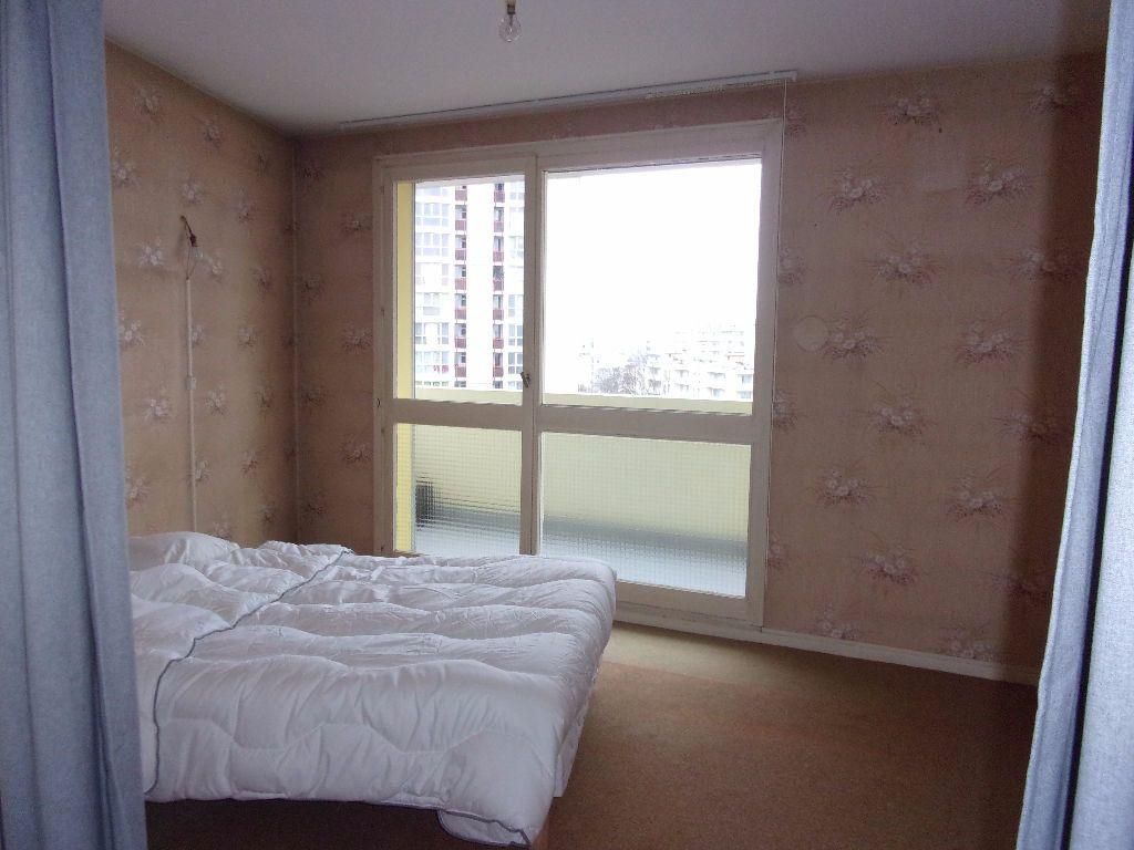 Appartement à louer 3 79.68m2 à Saint-Quentin vignette-3