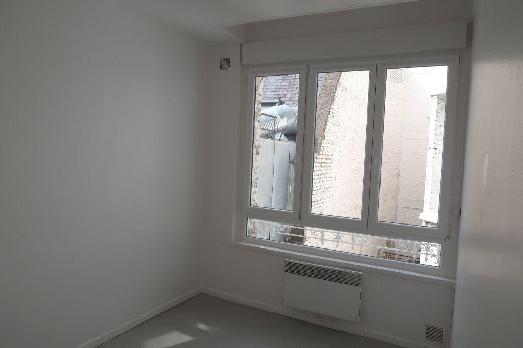 Appartement à louer 3 59m2 à Saint-Quentin vignette-5
