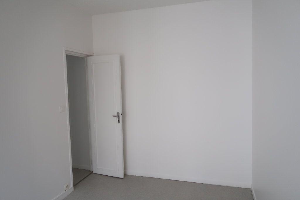Appartement à louer 3 59m2 à Saint-Quentin vignette-6