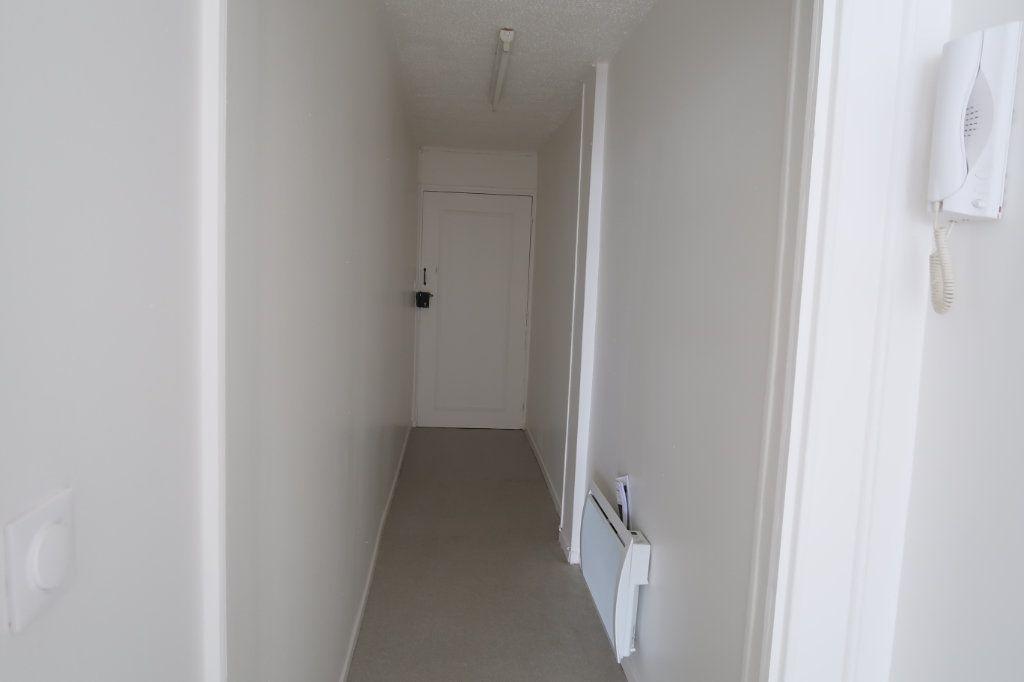 Appartement à louer 3 59m2 à Saint-Quentin vignette-8