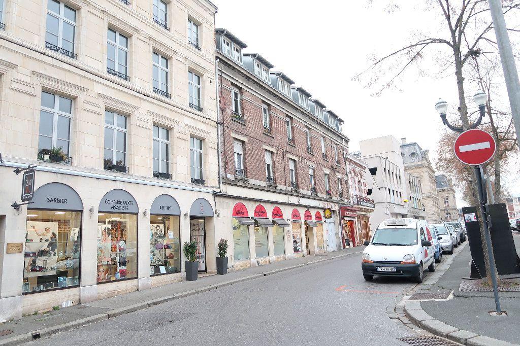 Appartement à vendre 3 69m2 à Saint-Quentin vignette-3