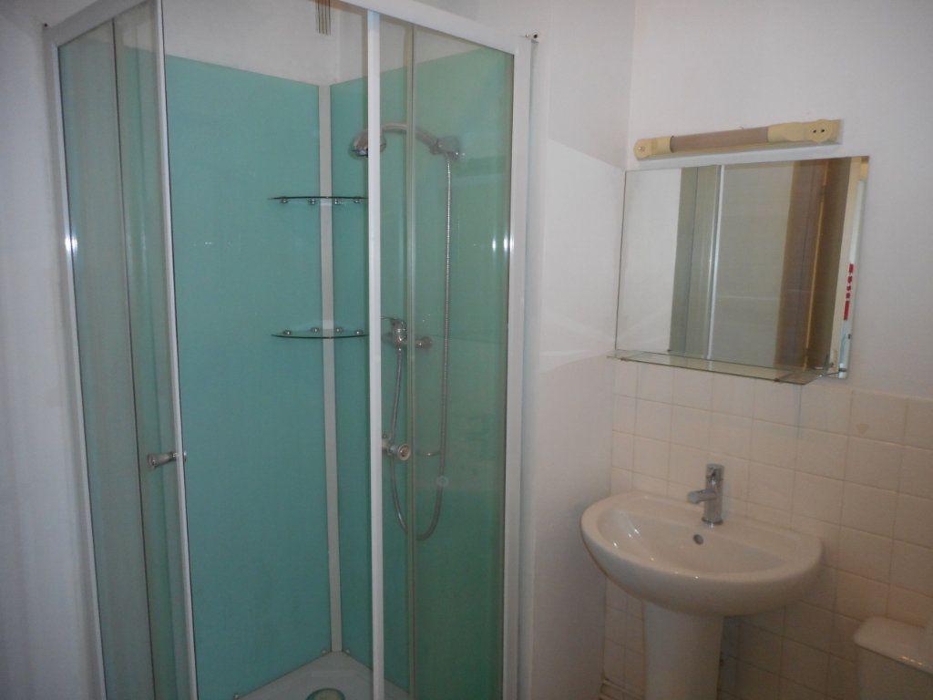Appartement à louer 2 43m2 à Amiens vignette-8