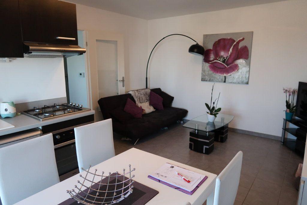 Appartement à louer 2 48m2 à Longueau vignette-1
