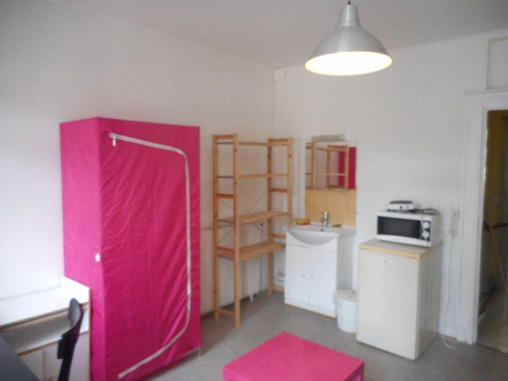 Appartement à louer 1 12.76m2 à Amiens vignette-2