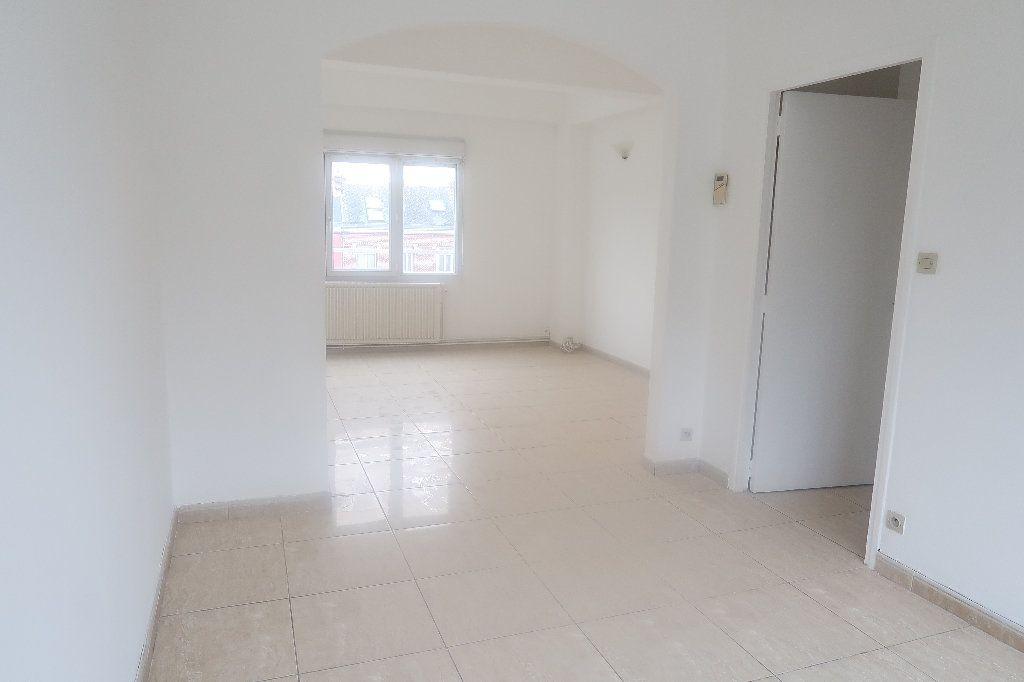 Appartement à louer 3 73m2 à Saint-Quentin vignette-2