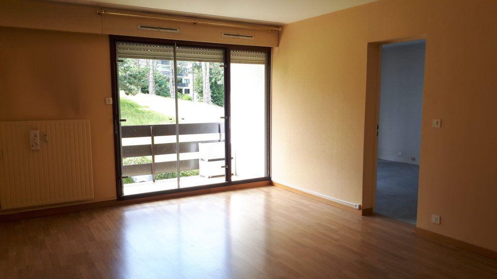 Appartement à louer 2 61.34m2 à Amiens vignette-1