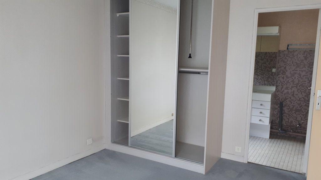 Appartement à louer 2 61.34m2 à Amiens vignette-6