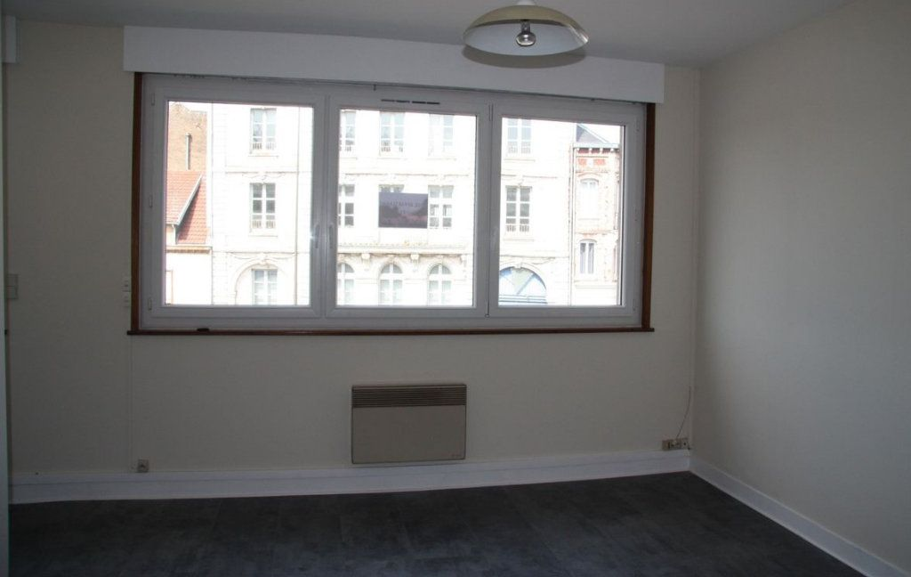 Appartement à louer 1 27m2 à Amiens vignette-3