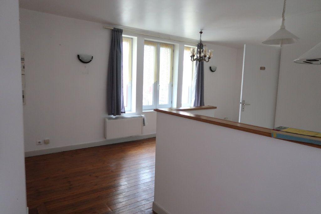 Appartement à louer 2 45m2 à Saint-Quentin vignette-2