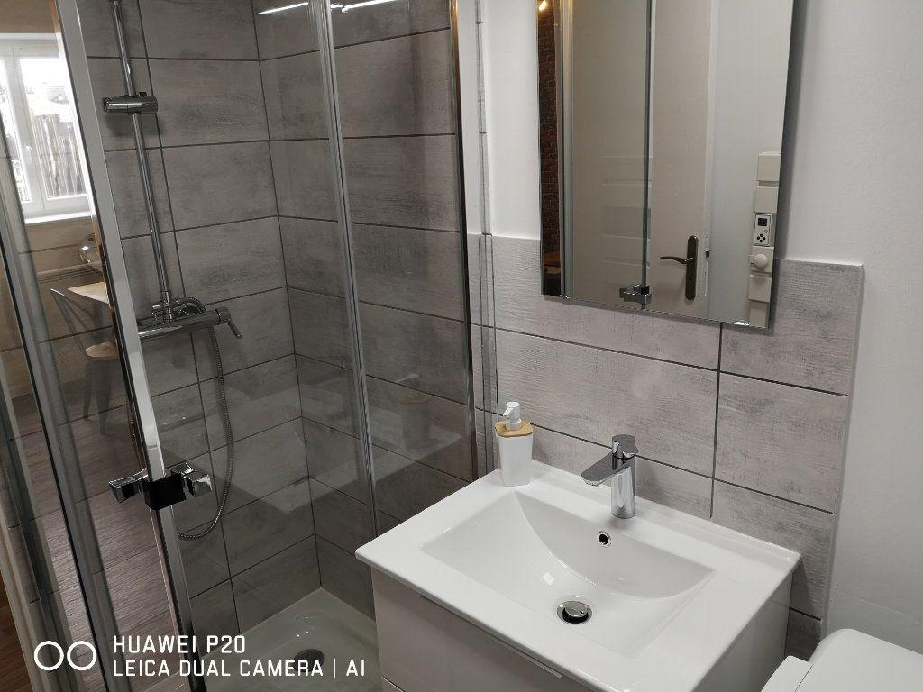 Appartement à louer 2 26m2 à Saint-Quentin vignette-5